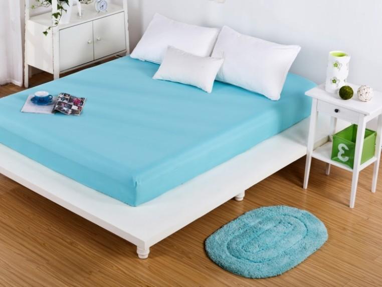 Soliidsetes värvides madratsi ümber kinnitatavad voodilinad