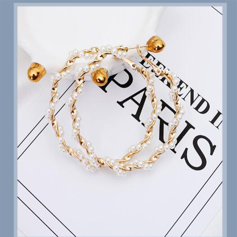 2019 new cool wind fairy temperament personality wild pearl ring exaggerated big circle earrings earrings in Clip Earrings from Jewelry Accessories