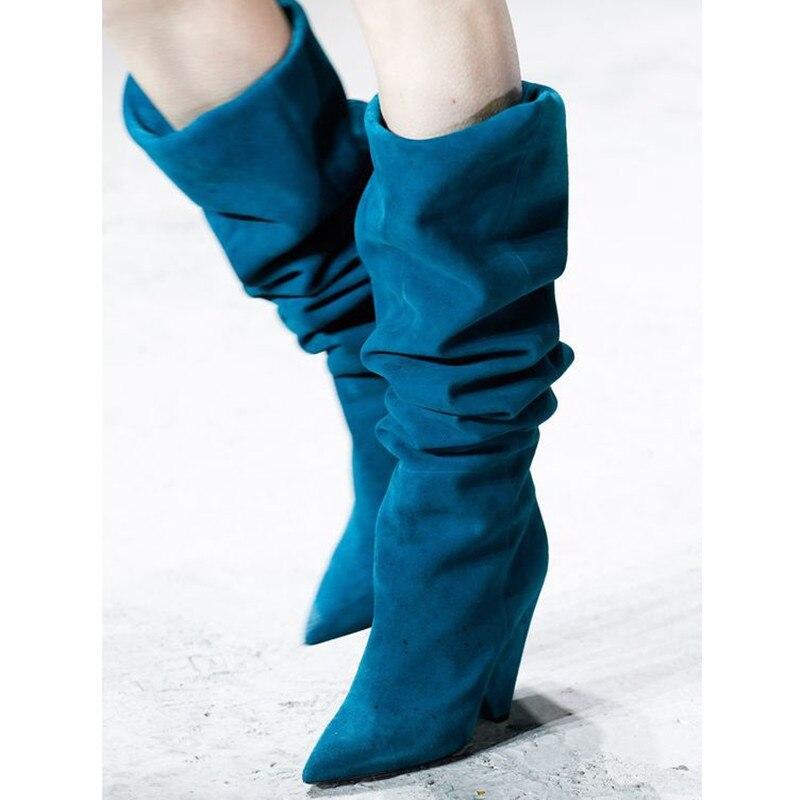 Зимние женские ботинки; женская обувь с острым носком на шпильках; модная однотонная обувь со складками из замши для подиума; пикантные боти... - 4