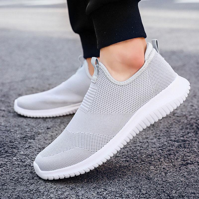 REETENE 2019 Slip On Men Casual Shoes Men Sneakers Summer Running Shoes For Men Lightweight Mesh Shoes Male Big Sizes 36-48 2