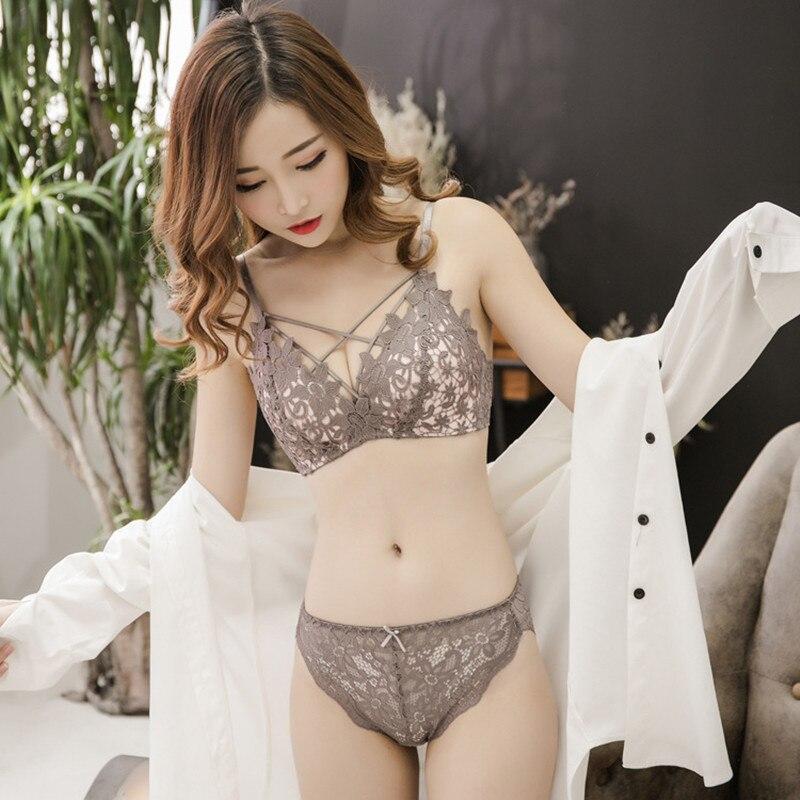 Hot floral wireless   bra   lace lightly lined triangle   bra     set   underwear women deep plunge V neck lingerie   set