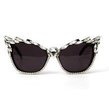 Óculos de sol 2018 óculos de Sol Olho De Gato Moda Feminina Sexy Cristal de  Plástico Óculos De Sol Feminino Óculos oculos de sol. 8ee3f7e3e6