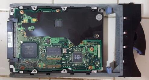 Hard drive 32p0729 32P0726 xSeries 225 3.5 36GB 10K SCSI 2MB one year warranty