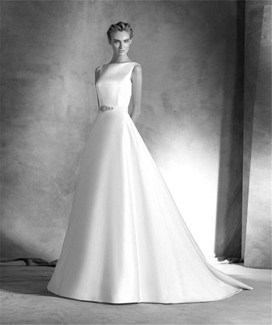 2016 Graceful White Wedding Dress Boat Neck 2016 A-Line Wedding Gowns Zipper Sweep Train Tailored Bridal Dresses