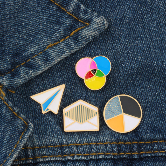 4 Style Fashion Jewelry Cartoon Circle Round Envelope Metal Brooch Enamel Pin Brooches collar Bag Badge Decoration Pins Button
