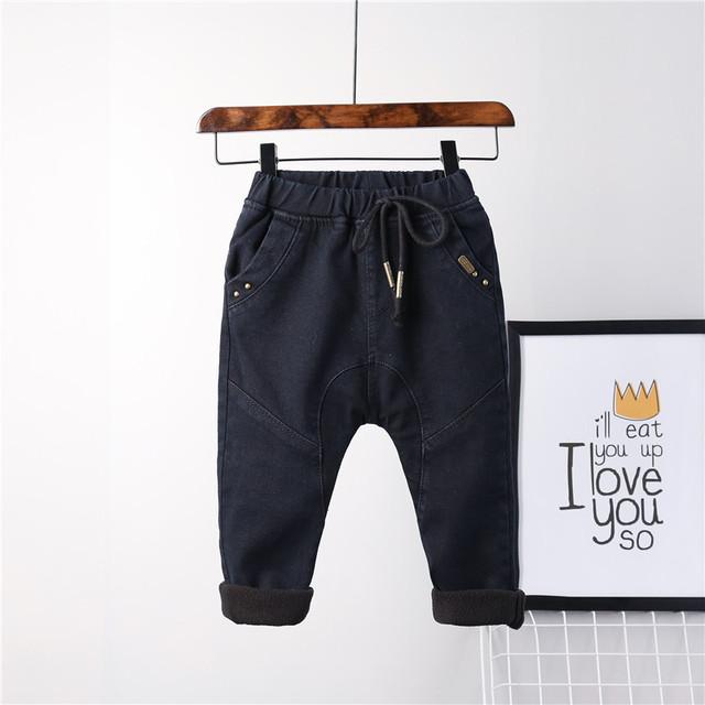 2016 muchachos del invierno jeans de mezclilla negro sólido de lana gruesa pantalones de moda niño ocasional caliente niño de las polainas pantalones de los niños 2-7 T