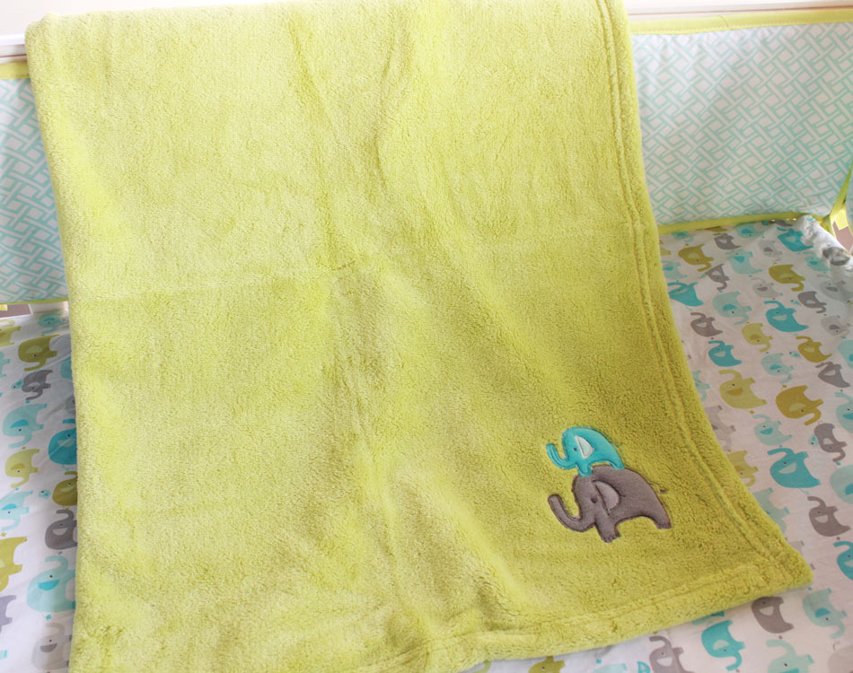 4 Pcs Baby Bedding Safari Elephant Pattern Cotton Quilt Sheets Wool Blankets Dust Ruffle Baby Bedding Set