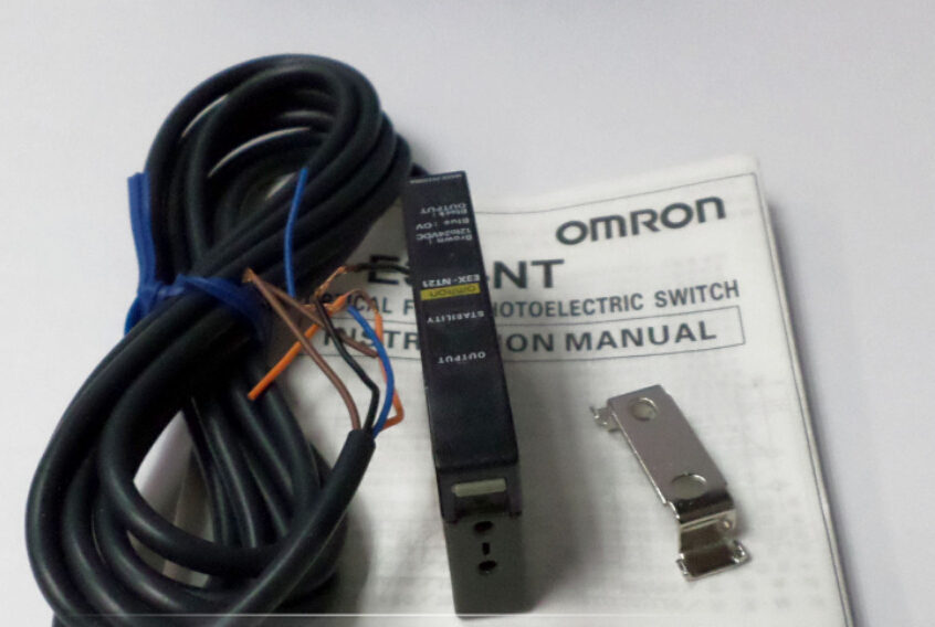 Photoelectric switch E3X-NT21 fiber amplifier OMRON цена
