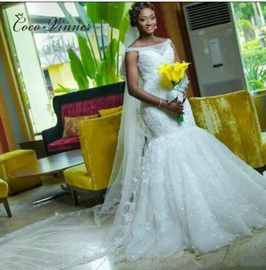 Boat Neck Lace Up Vintage Lace Mermaid Wedding Dress Sleeveless Plus Size Beautiful Pearls Beading Wedding Dresses W0370