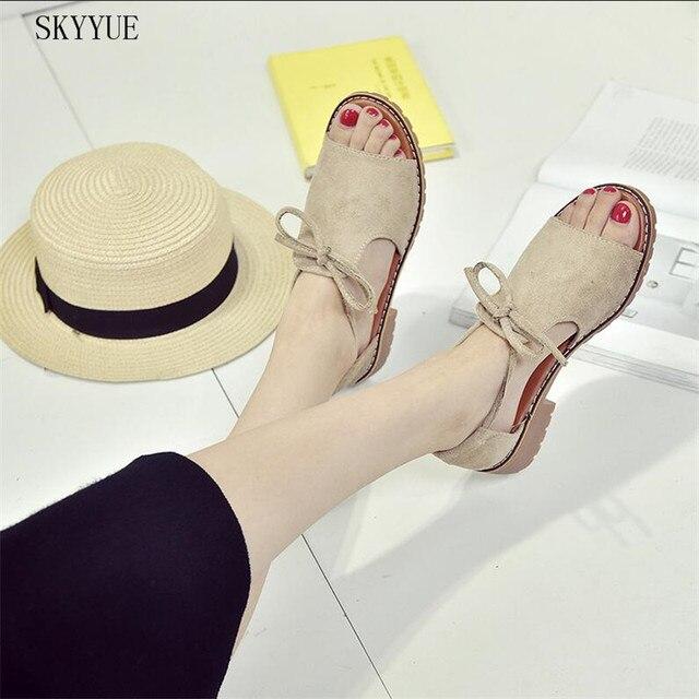 Новый Летние женские сандалии сладкий Туфли без каблуков из флока удобные пляжные сандалии Туфли с ремешком и пряжкой Повседневное квадратный каблук Обувь обувь для дам