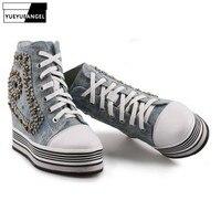 Фирменная Новинка Для женщин увеличивающие рост Скрытая каблук Кристальные клинья обувь с заклепками на толстой платформе высокие кроссов