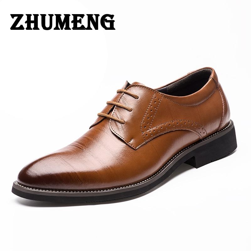 2017 Man Flat Designer Classic Men Dress Shoes Genuine Leather Black Brown Coffe Wingtip Carved Italian Formal Oxfords Size38-44