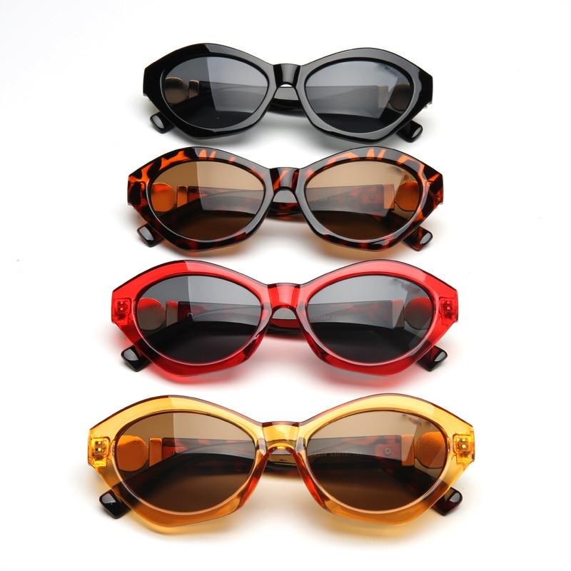 6119a1d317bad Achat 2018 De Luxe Italie Marque lunettes de Soleil Femmes Cristal Carré  lunettes de Soleil Miroir Rétro Pleine Étoile Lunettes de Soleil Femelle  Noir Gris ...