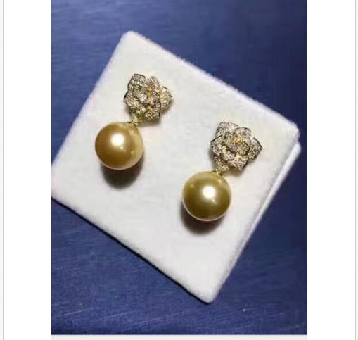 gorgeous 11-12mm south sea round gold pearl earringgorgeous 11-12mm south sea round gold pearl earring