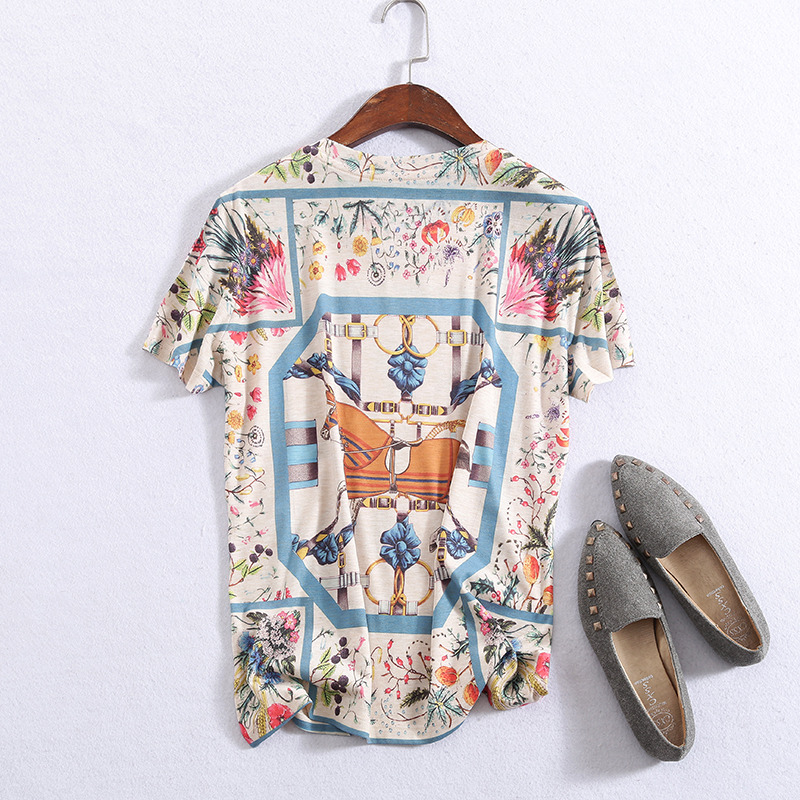 Kadın Giyim'ten Tişörtler'de Yeni graffiti baskı T shirt yuvarlak yaka ve kısa kollu desen'da  Grup 2