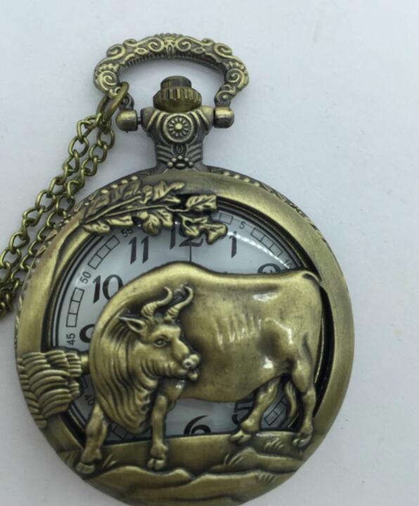 Free shipping Cow Hollow out Bronze Pendant Luminous Chain Pocket Watch Hour Gift PO028