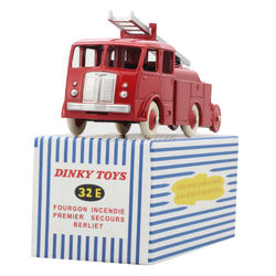 Dinky toys 32E Atals 1:43 Fourgon Incendie Premier Secours Berliet alliage moulé sous pression modèle de voiture et jouets modèle pour Collection