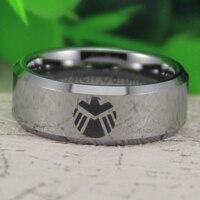 Precio barato envío gratis ee.uu. Canada venta caliente 8 MM plata brillante de bisel Marvel agentes de hombres escudo señor tungsteno anillo de bodas