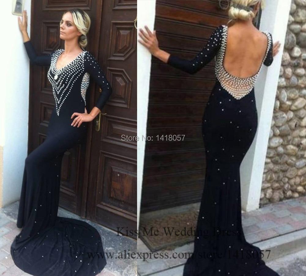 Vestido negro largo para una boda de noche