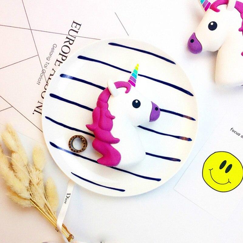 Poops Kiss Emoji Power Bank Battery 2600 mAh Charge Unicorn Cartoon Design USB for iPhone 4 4S 5 5S 6 6S xiaomi Samsung s6 s7