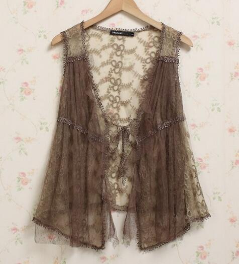 Mujeres de la vendimia del cordón del ganchillo del chaleco Floral Mori  Girl Lace Crochet Ropa Mujer Hippie Boho Mori Lolita chaleco Top ropa en  Tank Tops ... d5e2c95fd987