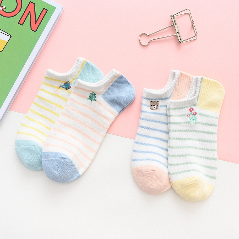 Caramelle 4Pairs/Lot Latest New Women's Socks Short Female Hosiery Low Cut Ankle Socks Ladies Colorful Short Chaussette Femme