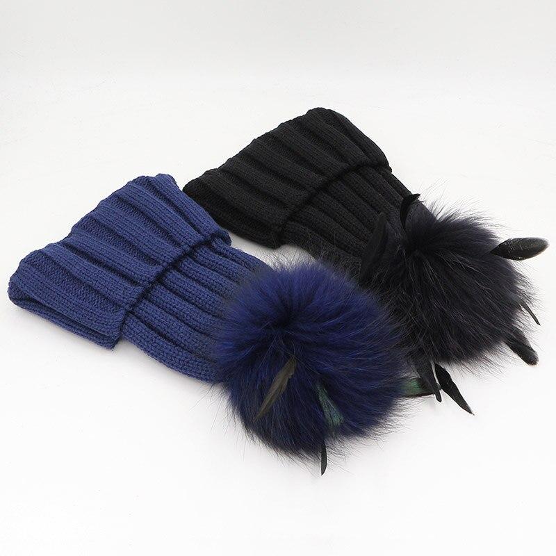 GZHILOVINGL épaissir tricoté chapeaux rayé bonnets casquette 2017 hiver chapeau naturel raton laveur fourrure pompon avec plume amovible chapeau Gorros - 6