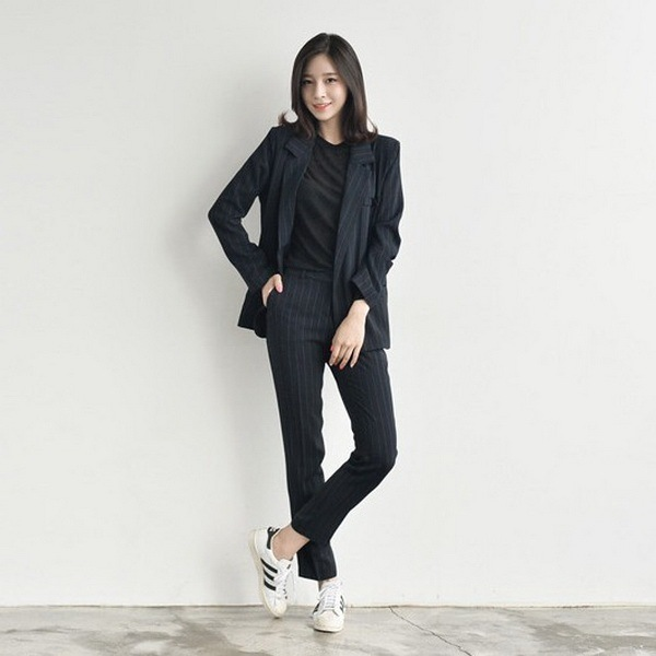 Corea Del Otoño Del Resorte Nuevo Temperamento Retro A Rayas Verticales Pantalones Casuales Oficina Traje de Ocio de Moda de la Mujer Elegante Negro LY360