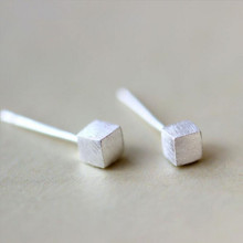 New Fashion Personality 925 Silver Jewelry Three-dimensional Square Simple Wild Fine Earrings   SE10