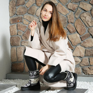 Image 3 - Womens boots winter warm shoes snowboot non slip Rubber outsole snowflake nice looking big plus size free shipping black flower
