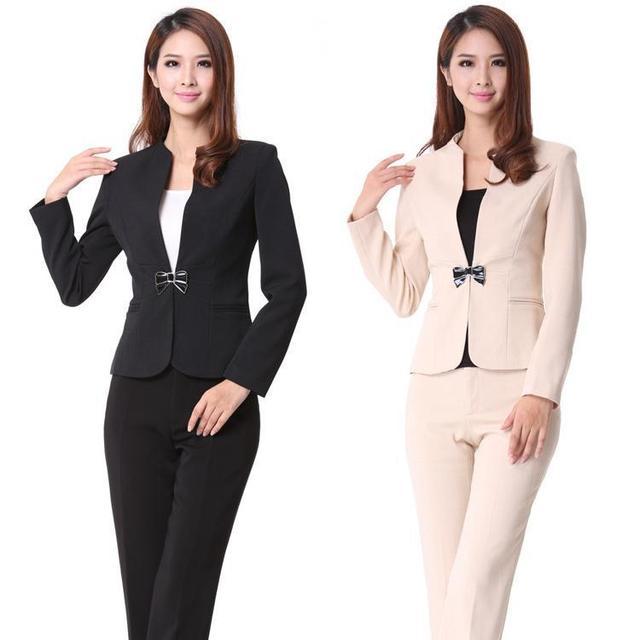 Resultado de imagen para mujeres de traje formal