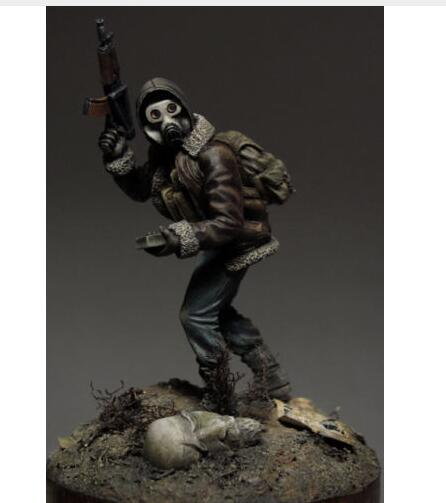 1/32 54mm Scout Soldier With Mask WITH BASE 54mm    Toy Resin Model Miniature Resin Figure Unassembly Unpainted
