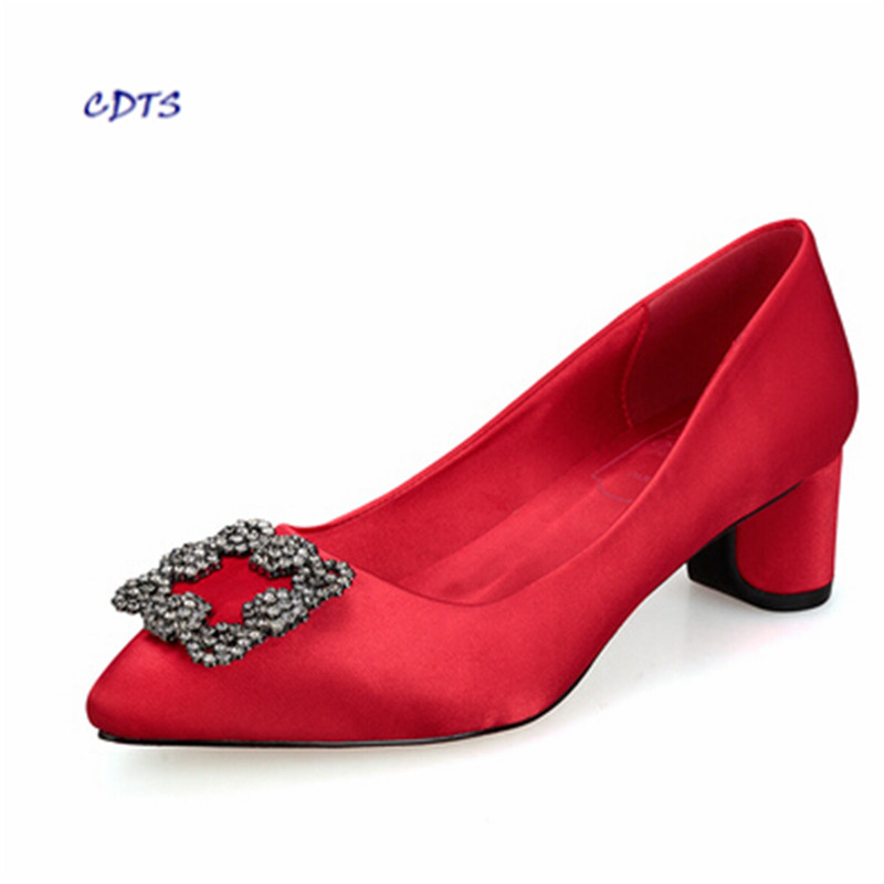 Crossdresser:32 33-44 Med thick heel single shoes pointed toe rhinestone buckle shallow mouth women's shoes fashion silks pumps 2016 shallow mouth pointed single flat shoes soft leather shoes flat heel shoes professional work shoes mother