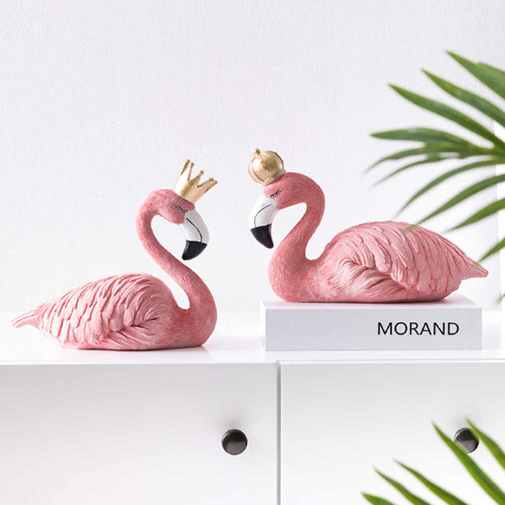 Resin King and Queen Flamingo Ornaments Decorative Figurines Home Desk Decor Craft Wedding Birthday Gifts