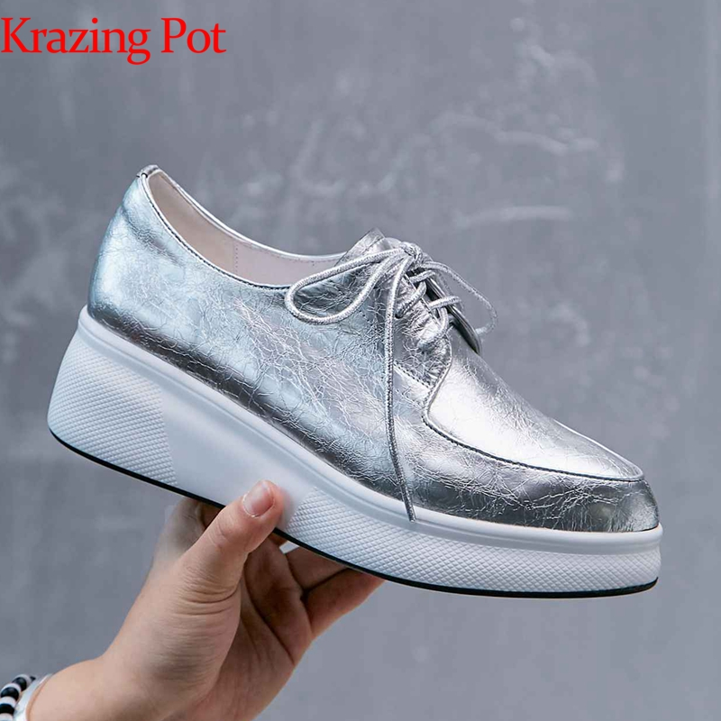 Krazing Pot vintage new hot sale wedges platform pointed toe causal lace up sneakers Korean version