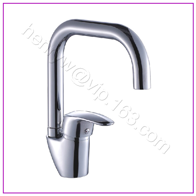L16321 - Luxury Deck Mounted Chrome Finish Hot and Cold Water Brass Kitchen MixerL16321 - Luxury Deck Mounted Chrome Finish Hot and Cold Water Brass Kitchen Mixer