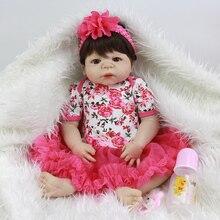Realistic Girl Play Toy 23 tums Princess Baby Reborn Doll Full Silicone Vinyl Gulliga Nyfödda Babies With Rose Kläder Till Salu