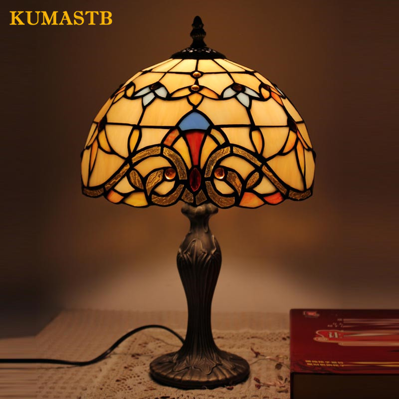 Warm Small Stained Glass Table Lamp Bedroom Bedside Light Creative Simple Modern Desk Lamp for Bar Study Baroque Table Lamps