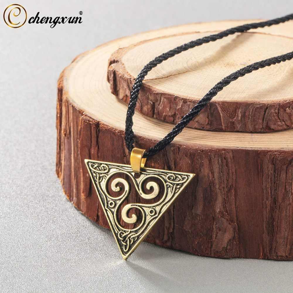 CHENGXUN trójkąt naszyjnik Viking biżuteria w stylu Vintage geometryczne wisiorek Celtic spiralne Triskele naszyjnik mężczyźni kobiety