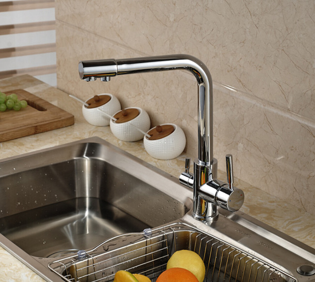 Resurface drinking water from bathroom tap from vibrant green
