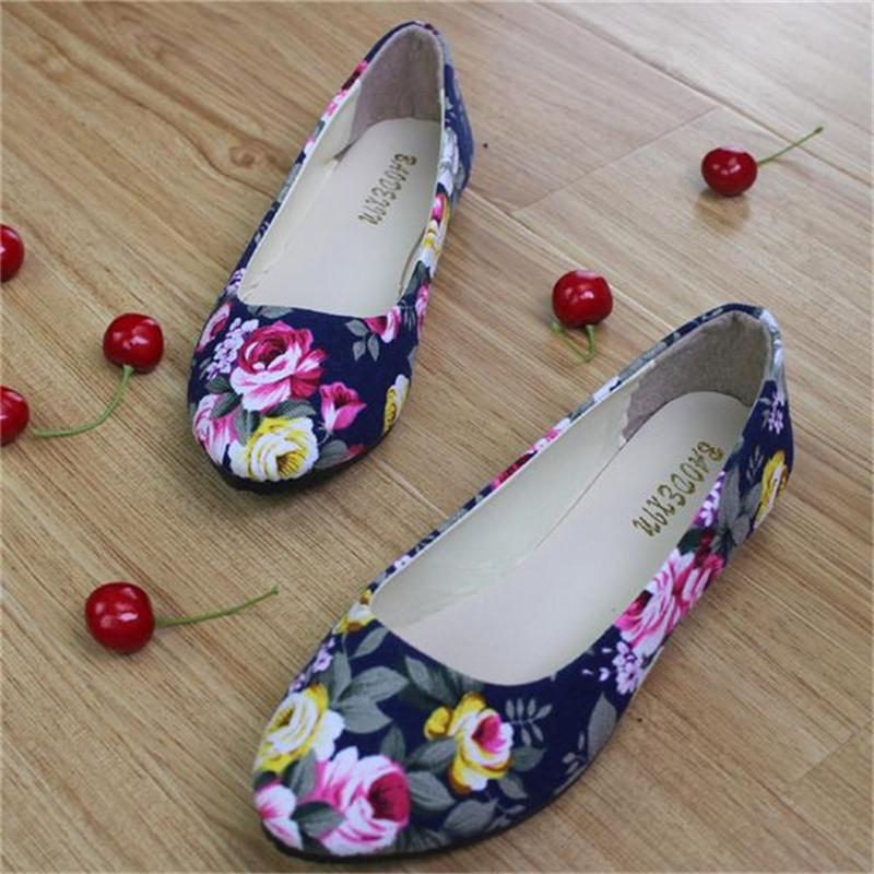 Women Flats Slip On Casual Shoes 2017 Summer Fashion Flower New Comfortable Canvas Flat Shoes Woman Work Loafers Plus Size xiaying smile woman flats women brogue shoes loafers spring summer casual slip on round toe rubber new black white women shoes