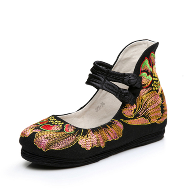 Charming Fashion Hot New Casual Chinese Style Women's Embroidery Soft Sole Old Peking National Single Shoes Women vintage embroidery women flats chinese floral canvas embroidered shoes national old beijing cloth single dance soft flats