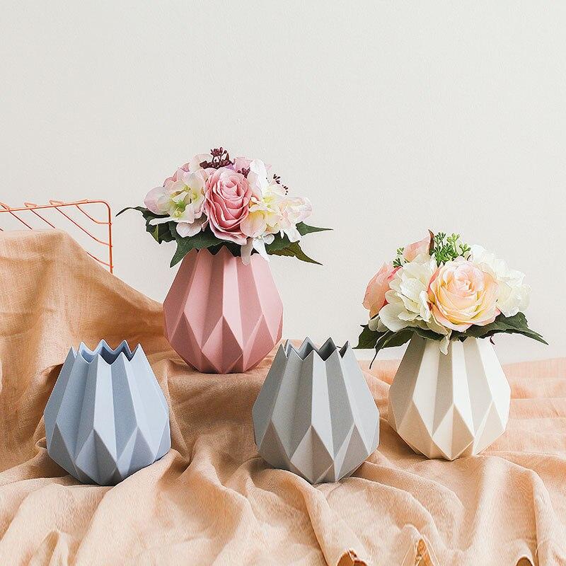 New Modern minimalist ceramic vase home decoration accessories Mini vases Origami flower pot vase for wedding decoration
