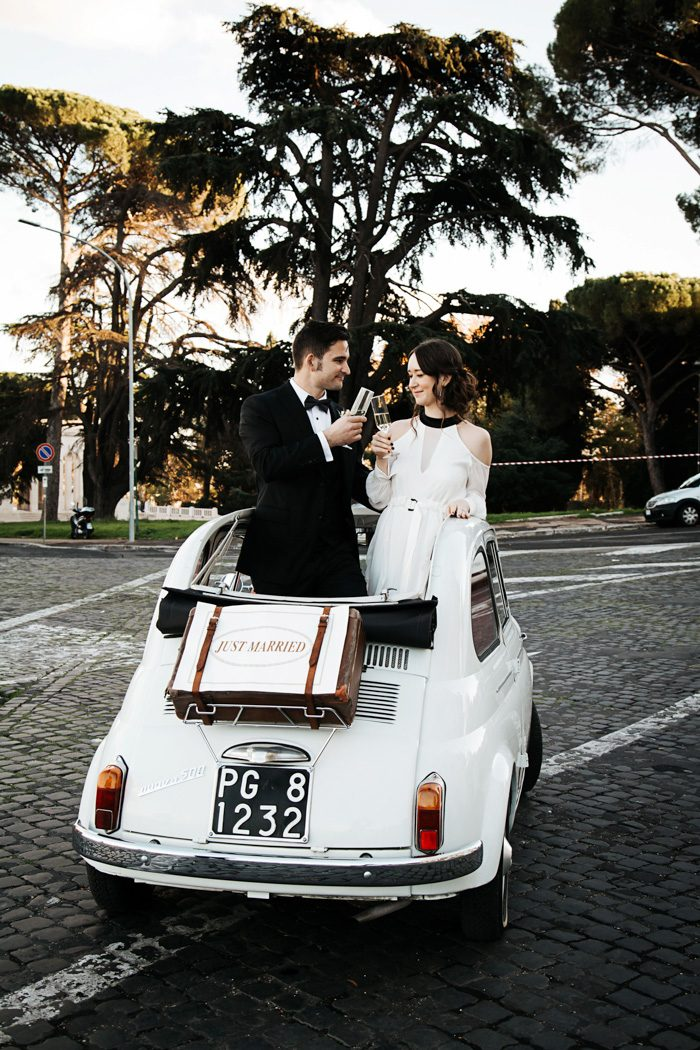 piazza-del-campidoglio-in-rome-was-the-perfect-wedding-destination-for-this-art-and-history-loving-couple-quince-and-mulberry-studios-51-700x1050