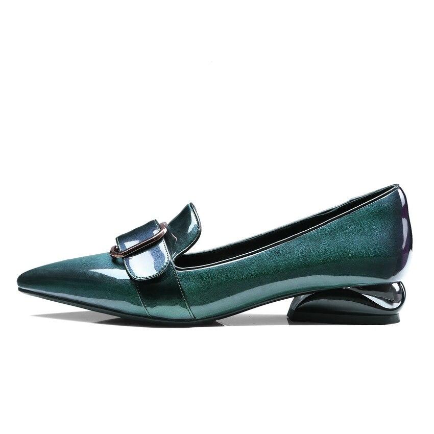 Ayakk.'ten Kadın Pompaları'de QUTAA 2020 Kadın Pompaları Patent Deri Moda Kadın Ayakkabı Slip Toka Batı Tarzı Sivri Burun Bayanlar Pompaları Boyutu 34  42'da  Grup 2
