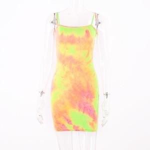 Image 5 - Hugcitar tie dye print kolorowe paski spaghetti sexy bodycon mini sukienka 2019 lato kobiety moda odzież miejska, klubowa, na imprezę