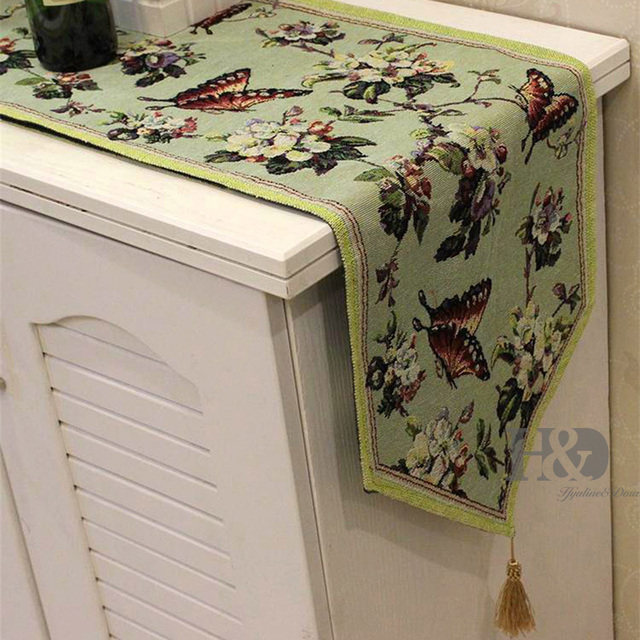 Butterflies Over Flowers Tapestry Wedding Bed Table Runner Table Cloth  Dining Mat Slip Resistant Placemat