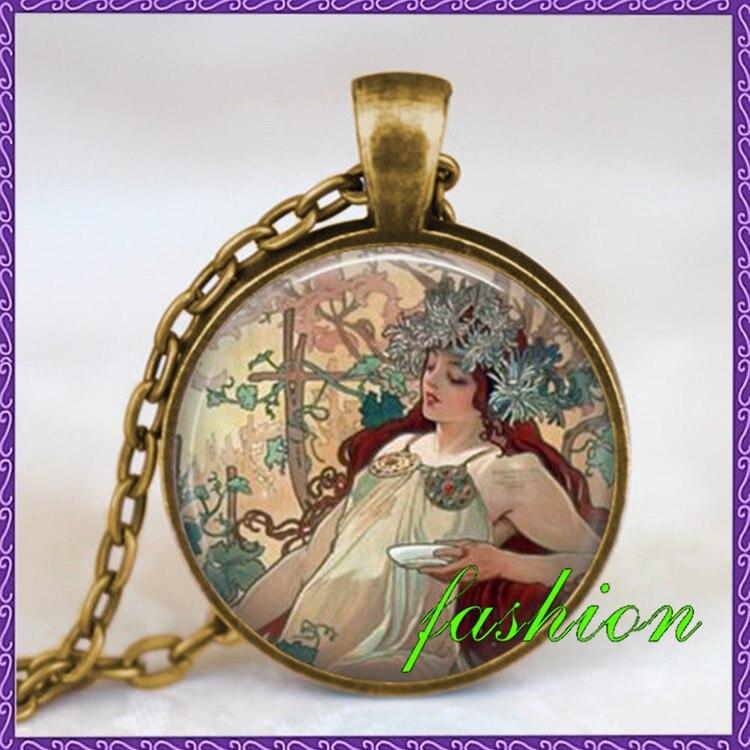 Collier Alphonse mucha, bijoux collier Art Nouveau, belle dame alphonse mucha art pendentif, idée cadeau amoureux de l'art