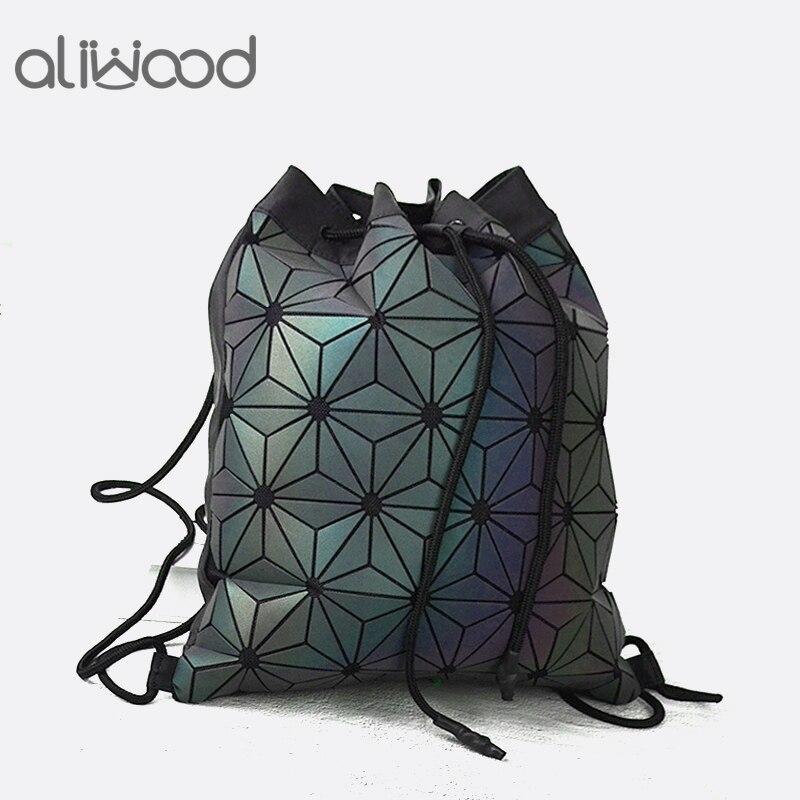 цена Aliwood New Luminous Geometric Backpack Brand Women Backpack Luxury Drawstring Holographic Leather Backpack For adolescent Girls в интернет-магазинах