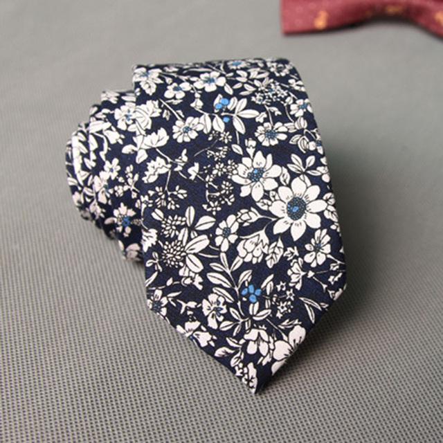 Cute Floral Slim Necktie